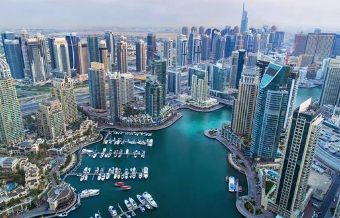 """3.2 مليار درهم تسهيلات بنوك دبي لـ""""الأعمال والصناعة"""" منذ بداية 2021"""