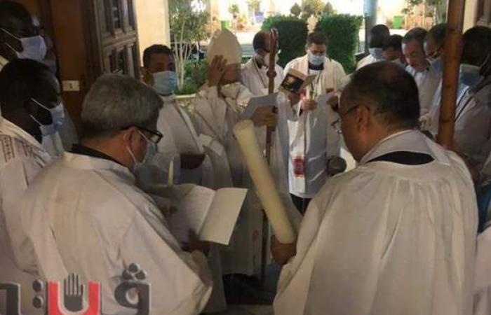 الأنبا عمانوئيل يترأس قداس عيد القيامة المجيد بالأقصر | فيديو