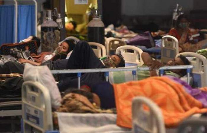 مأساة لم يشهدها العالم.. الهند تسجل رقما مفزعا جديدا في إصابات ووفيات كورونا اليومية