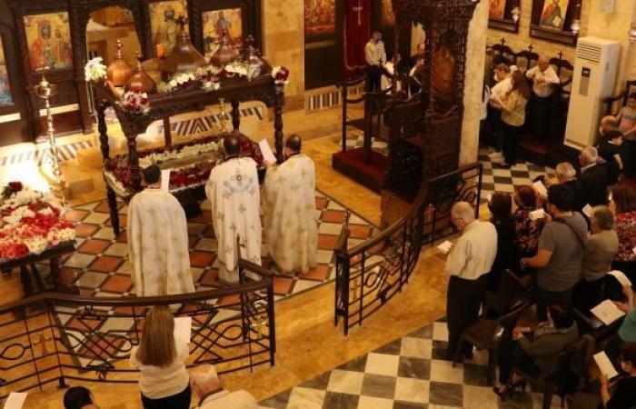 """بعد 10 سنوات... أول صلاة في كنيسة """"رقاد السيدة العذراء"""" في حلب"""
