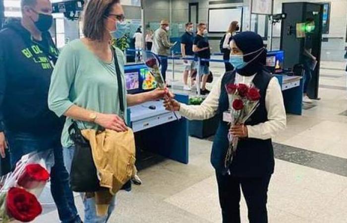 بالورود.. مطار الغردقة يستقبل أولى رحلات شركة Sund Air الألمانية   صور