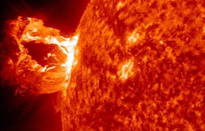 عاصفة شمس تقترب من الأرض