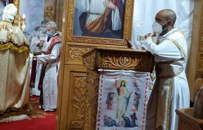 بدون مصلين والاقتصار على الكهنة والشمامسة.. إقامة قداس عيد القيامة ببورسعيد