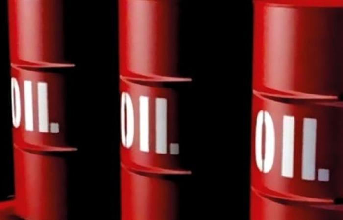 """إنتاج النفط الروسي يرتفع 2% في أبريل عقب اتفاق """"أوبك+"""""""