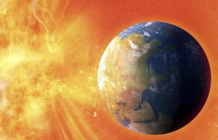 هتربك الأقمار الصناعية.. عاصفة شمسية تضرب الأرض بقوة.. وعلماء يكشفون أضرارها
