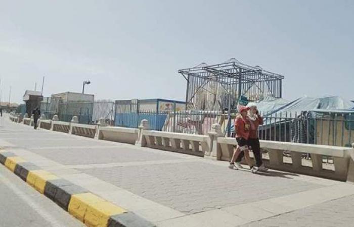 بسبب الموجة الثالثة لكورونا.. كورنيش الإسكندرية خال من المواطنين