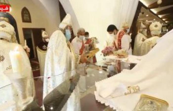 شاهد تمثيلية القيامة لعيد الفصح داخل كنيسة الملاك ميخائيل شيراتون