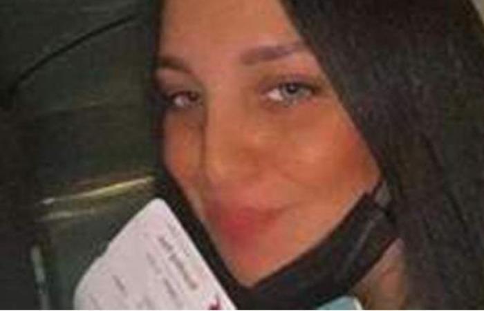 وزيرة الهجرة تتدخل لإنهاء أزمة فتاة مصرية عالقة بمطار الدوحة