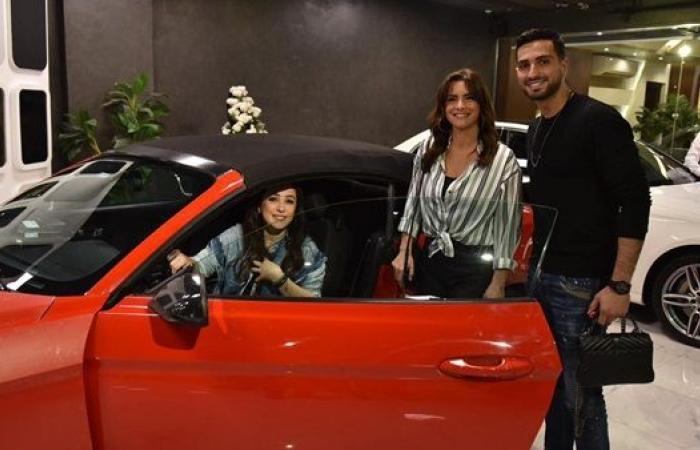 """نور اللبنانية في سيارة بلا فرامل مع كندة علوش في برنامج """"خمس نجوم"""""""