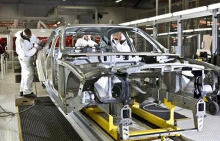 تباطؤ القطاع الصناعي الأميركي في أبريل وسط مصاعب إمداد