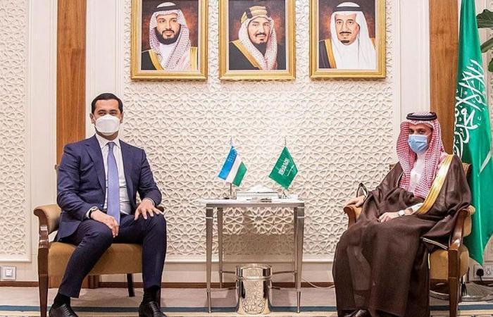 الأمير فيصل بن فرحان يلتقي وزير الاستثمار والتجارة الخارجية الأوزبكي