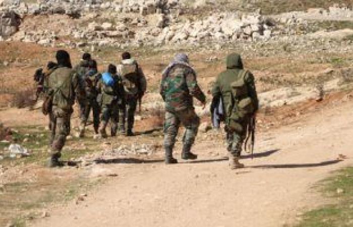 القوات السورية تعثر على أسلحة وذخائر من مخلفات الإرهابيين بريف حمص الشمالى