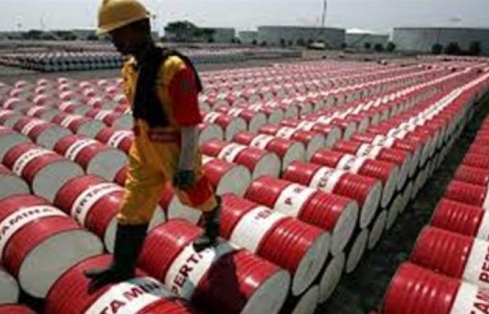 توقعات باستمرار تقلبات أسعار النفط خلال الأسبوع الجاري