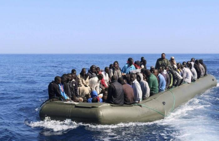 50 غريقا بينهم مصريون قبالة سواحل ليبيا