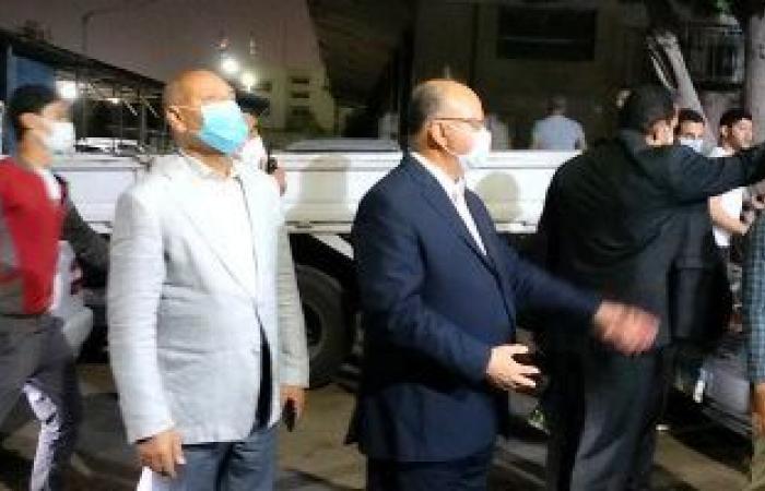 محافظ القاهرة يعنف رئيس حى شرق بعد ضبط مقهى تغلق الشارع وتقدم الشيشة