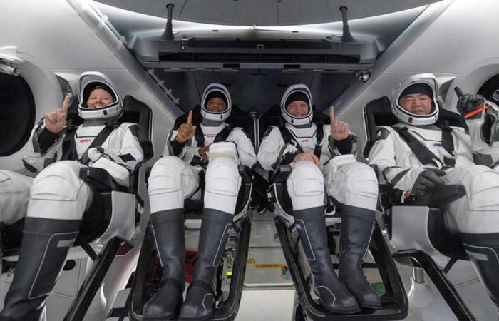 شركة SpaceX تعيد رواد الفضاء من محطة الفضاء الدولية
