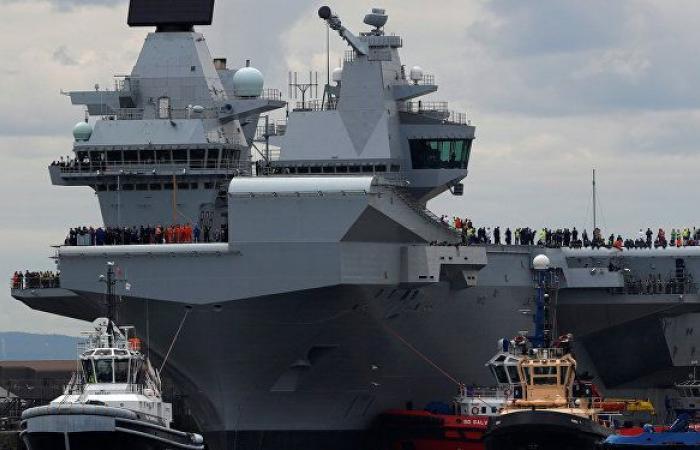 """حاملة طائرات بريطانية تنقل مقاتلات شبح أمريكية مدعمة بغواصات إلى """"عتبة"""" الصين... فيديو"""