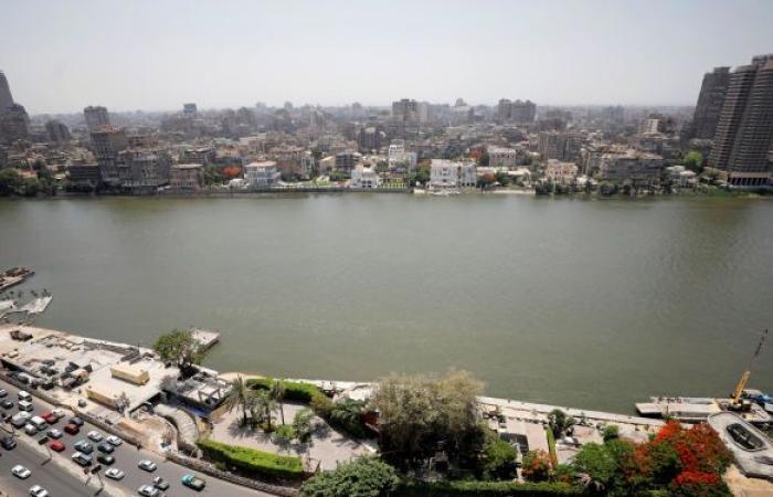 """الأرصاد المصرية تنشر خرائط لـ""""كتلة هوائية"""" تهب على البلاد وتحذر المواطنين"""