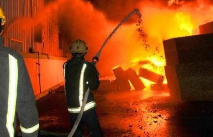 السيطرة على حريق نشب داخل قطعة أرض بالإسكندرية