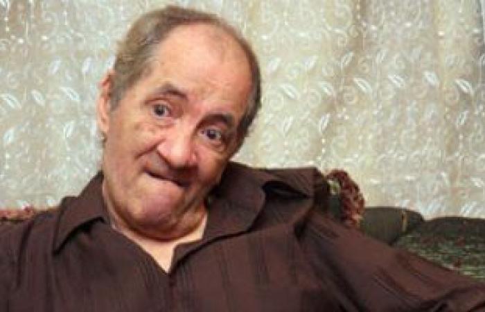 نادية مصطفى وهشام حنفي يشاركان فى تشييع جثمان ماهر العطار