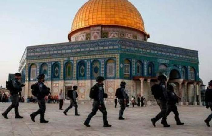 الاحتلال يمنع إسرائيليين من دخول الأقصى