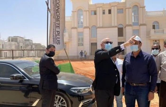 وزير الإسكان يتفقد الحى السكني الخامس و الحكومى بالعاصمة الإدارية