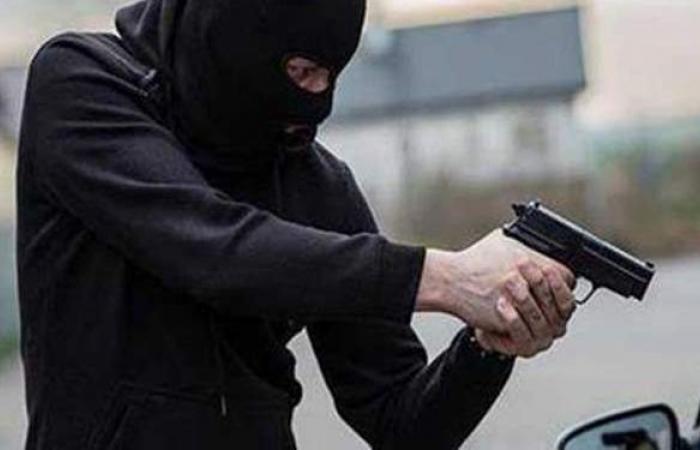 التحقيق مع ٤ متهمين بالسطو المسلح على مكتب بريد الشيخ زايد