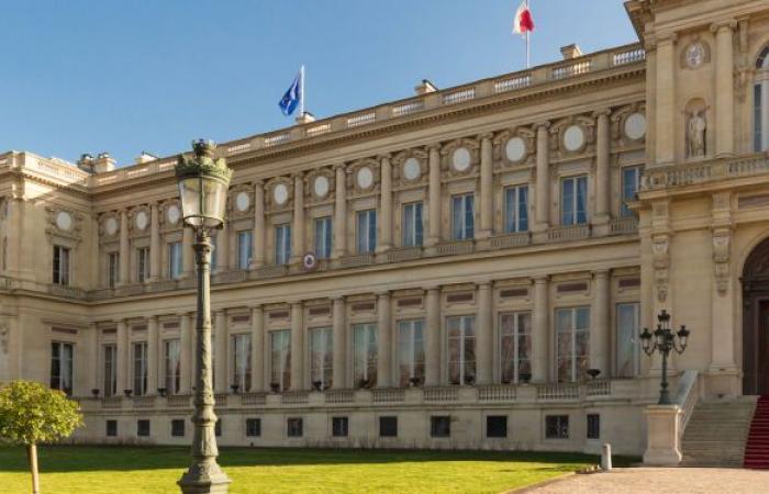 فرنسا تستدعي السفير الروسي احتجاجا على عقوبات موسكو ضد مسؤولين أوروبيين