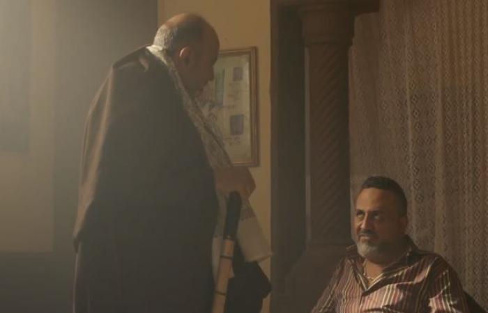 """""""اللي مالوش كبير"""" الحلقة 21.. قدرية تتفق على تشويه وجه غزل داخل السجن"""