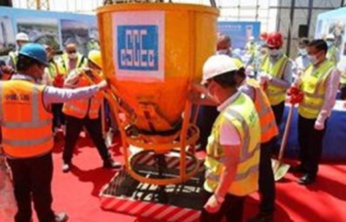 وزير الإسكان: انتهاء الأعمال الخرسانية لعاشر برج بمنطقة الأعمال بالعاصمة