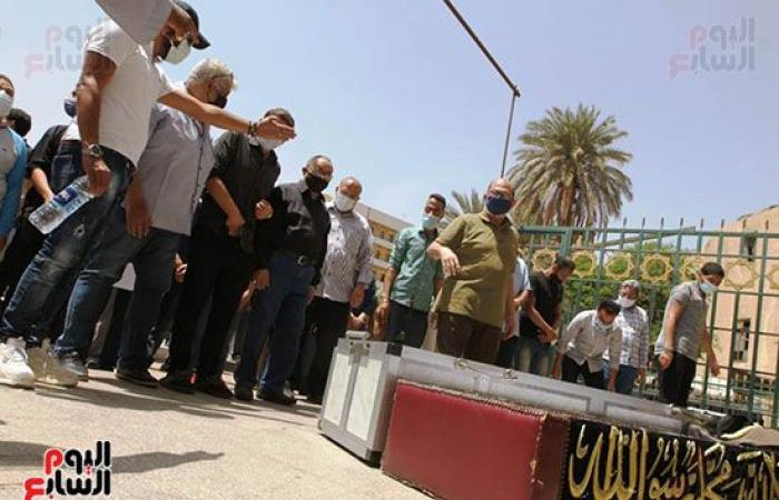 نادية مصطفى من جنازة ماهر العطار: فقدنا مطربًا كبيرًا أعطى للفن الكثير