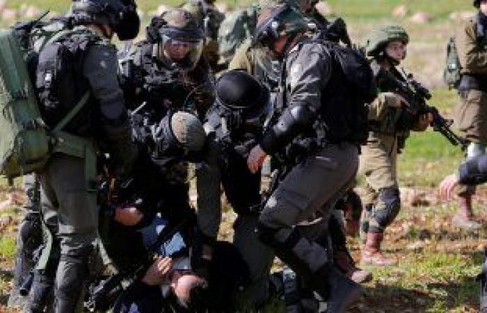قوات الاحتلال الإسرائيلى تعتقل 13 فلسطينيًا من الضفة الغربية