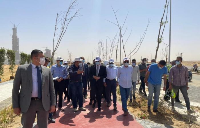 وزير الإسكان يتفقد مشروعى الحدائق المركزية ومحور الشيخ محمد بن زايد بالعاصمة الإدارية