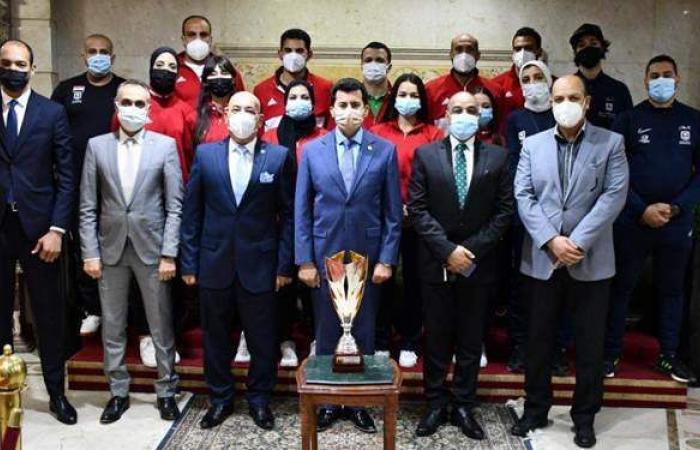 وزير الرياضة يستقبل منتخب الكاراتيه بعد انجازات البريميرليج بالبرتغال