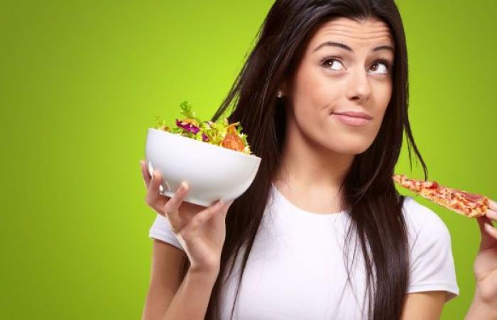 تقرير يحذر النساء من أطعمة بعد بلوغ الثلاثين ويقترح وجبات مفيدة للصحة