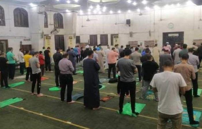 الأوقاف تعلق على أحدث صور لصلاة التراويح بمساجد مصر | صور