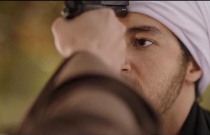نسل الأغراب الحلقة 22.. حمزة يصفع أخيه سليم على وجهه والأخير يرفع عليه السلاح