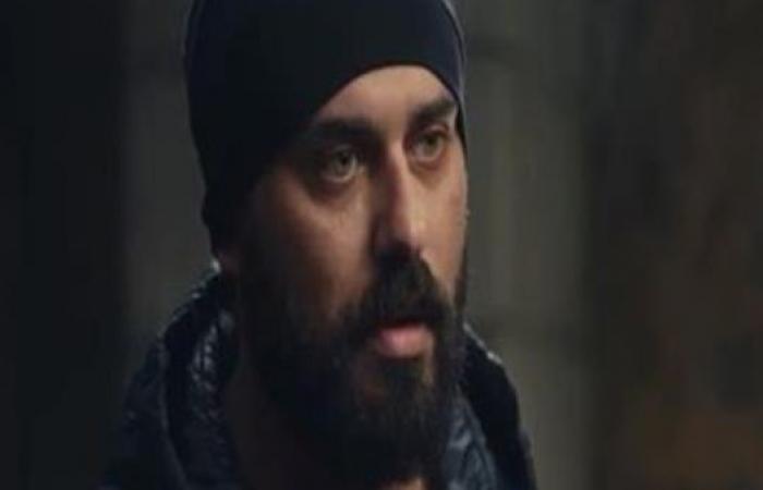 """أحمد صلاح حسني يكشف عن سبب انعزاله عن العالم بعد انتحار حبيبته في """"كوفيد25"""""""