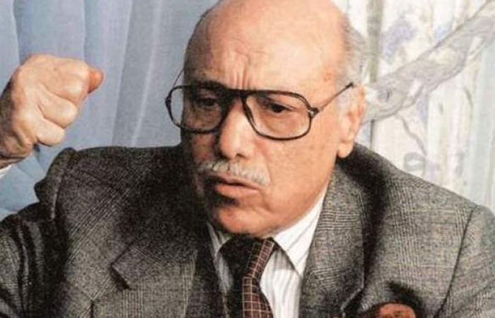 الكاتب محمود السعدني يتحسر على أيام الشباب