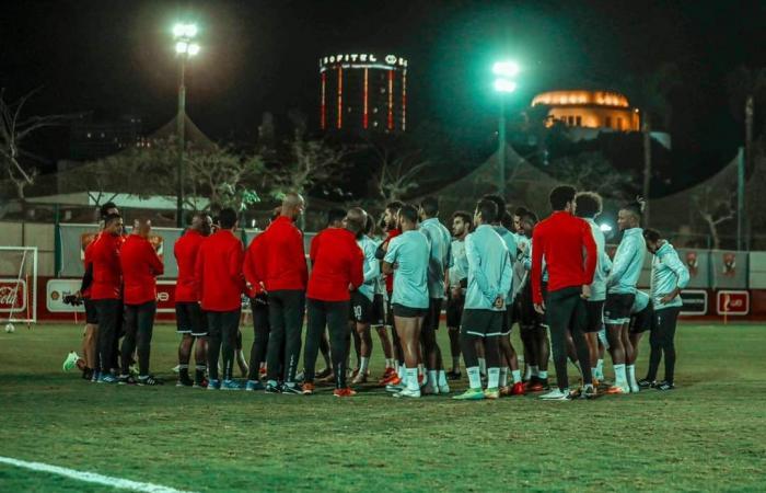 """سر رسالة الخطيب للاعب الأهلي بعد العرض التركي: """"انسى الرحيل"""""""