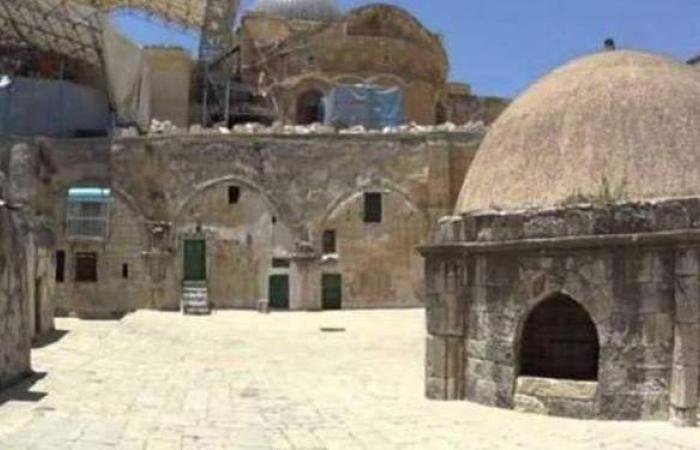 مطرانية الأرثوذكس تتهم إسرائيل بمنح الضوء الأخضر لرفع علم إثيوبيا على دير السلطان