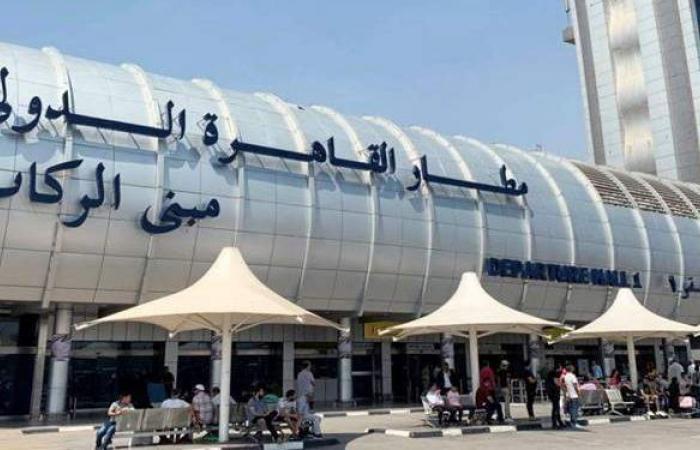 مطار القاهرة يستقبل أولي الرحلات من سان بطرسبرج الروسية
