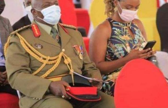 ملابس ملطخة بالدماء.. وفاة نجلة وسائق وزير أوغندي خلال محاولة اغتياله