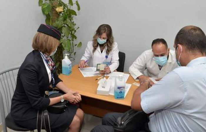 مستشفى مصر للطيران: تطعيم 2000 عامل بالقطاع بلقاح كورونا