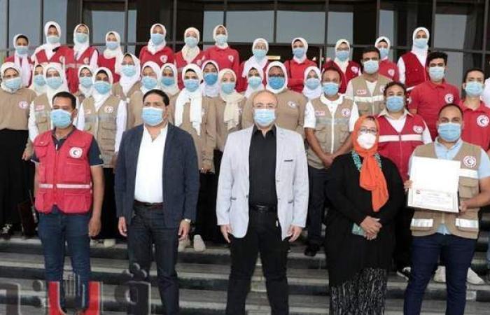 """محافظ بني سويف يكرم """"الهلال الأحمر"""" لمشاركتها في تدريب مجابهة الأزمات"""