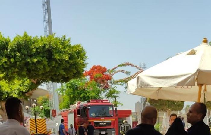 الأهلي يكشف كواليس السيطرة علي حريق المدرج القديم بالتتش.. صور