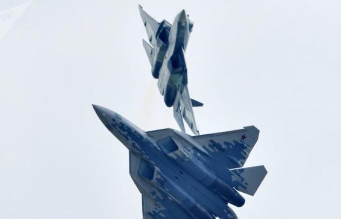 """""""سوخوي 57"""" قائدا لمجموعة طائرات هجومية دون طيار"""