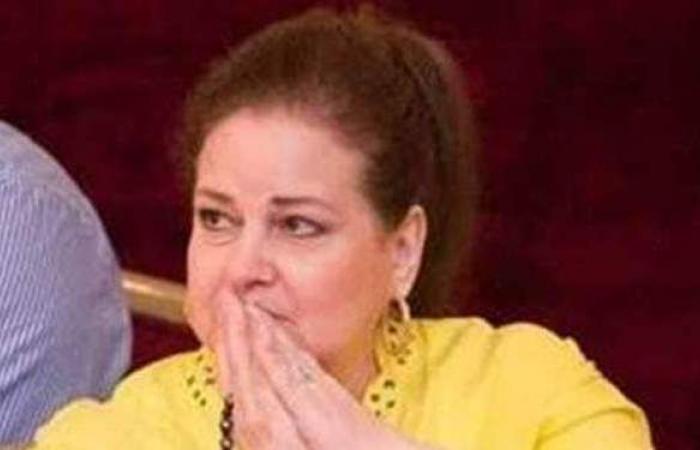 لا تعلم شيئا عن زوجها.. رسالة مؤثرة على غرفة دلال عبد العزيز بالمستشفى