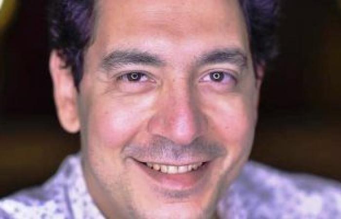 """إسلام إمام مخرجا لمسرحية """"حلم جميل"""" على المسرح الكوميدى"""
