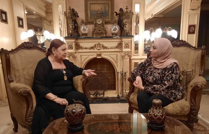 """ميمي جمال لتليفزيون اليوم السابع: مديحة يسري ضربتني بالقلم في أول مشهد """"فيديو"""""""